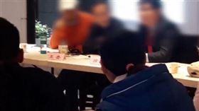 南港豪宅社區「華固奧之松」管委會與HKA協調會現場(圖/翻攝自Hong Kong Attitude 香港態度 - HKA臉書