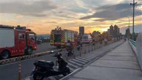 中興橋,起火 翻攝畫面