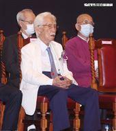 總統府資政辜寬敏以校友身分出席國立師範大學95周年慶。(記者邱榮吉/攝影)
