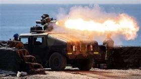 國軍飛彈射擊操演 雙聯裝刺針及雷霆2000火箭超震撼(圖/青年日報提供)