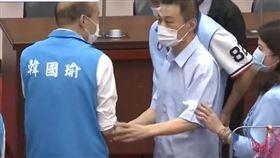 挺韓議長許崑源輕生 議會與韓國瑜同框最後身影曝光(圖/翻攝畫面)