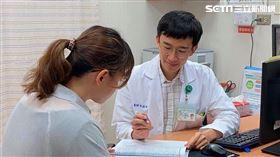 成大醫院健康管理中心陳泓裕醫師說,健康檢查不只是做安心的,更要能讀懂報告。