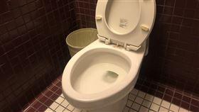 馬桶,腳踝,坐式,便祕,上廁所(記者賴俊佑攝影)