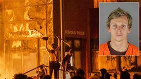 警局整棟燒毀!23歲屁孩縱火犯落網 美國,,George Floyd,警察,縱火,暴動,警局 翻攝自推特