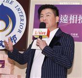 曾國城出席台灣優質生命協會2020「感謝守護‧永遠挺您」醫護警消感謝箱捐贈記者會。(記者邱榮吉/攝影)