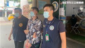 移民署南區高雄專勤隊逮獲偽造證件的范姓移工。(圖/翻攝畫面 )