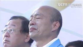 高雄市長韓國瑜今(11)日是在市府上班的最後一天,他號召民眾於下午3點半,穿著白色上衣、戴口罩,一起靜坐在鳳山行政中心的草地,聆聽舞台上的「真愛高雄 珍重再見」音樂會,陳雄文致詞