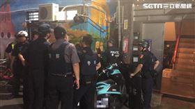 新北市三重區男子持槍拒檢逃離現場仍遭逮。(圖/翻攝畫面)