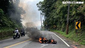 火燒車,騎士,北宜公路,石碇,翻攝畫面