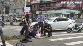 員警被保時捷撞 民眾提供