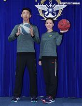 陸軍司令部研改團隊完成「運動服裝」。(圖/記者邱榮吉攝影)