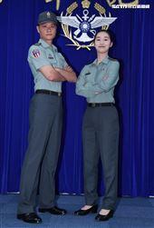 陸軍司令部研改團隊完成「軍便服」。(記者邱榮吉/攝影)