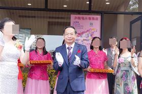 ▲本名徐浩城的少龍雖然僅是榮譽黨主席,但中正黨內還是以他為中心。(圖/翻攝自少龍唱片專賣店總店粉絲團)