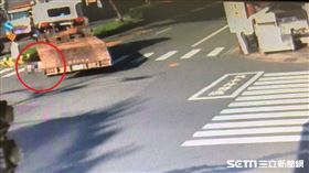 南投14歲女國中生遭拖板車捲車底亡/翻攝畫面