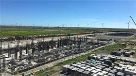 沃旭斥資70億 陸上變電站2021年底試營運沃旭能源陸上變電站統包工程由台汽電拿下,合約金額逾新台幣70億元,變電站主建築物估在年底前完工,並在明年底試運轉。中央社記者蔡芃敏攝 109年6月17日