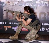 軍武生存遊戲正妹安妮。(記者邱榮吉/攝影)