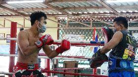 泰拳選手對打練習