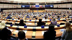 歐洲議會譴責港版國安法 中國人大:干涉內政 (圖/翻攝自European Parliament臉書) https://www.facebook.com/europeanparliament/photos/a.188069385106/10163369132325107/?type=3&theater