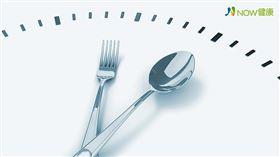 名家專用/NOW健康/如果每天攝取的總熱量相同,為什麼不能在睡前吃東西呢?(勿用)