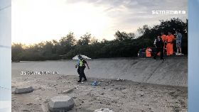 女嬰埋沙灘1800