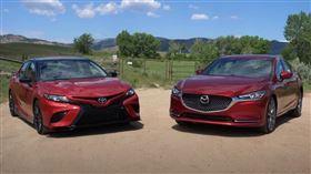 ▲Toyota Camry TRD VS Mazda 6(圖/翻攝The Fast Lane Car Youtube)