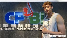 文化大學中心打者董秉軒報名中職選秀。
