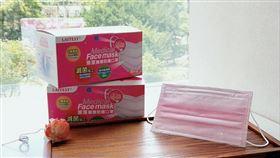 首批兩萬盒!超商獨賣丹寧玫瑰色口罩