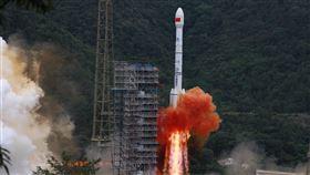 北斗三號最後一顆衛星發射成功  實現全球覆蓋中國西昌衛星發射中心23日成功發射北斗三號衛星導航系統最後一顆全球組網衛星(圖),成為繼美國之後,第二個擁有全球衛星定位系統的國家。(中新社提供)中央社  109年6月23日