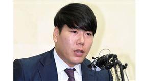 ▲姜正浩召開記者會道歉。(圖/截自韓國媒體)