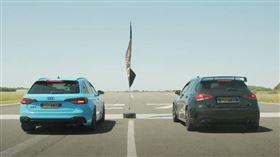 ▲賓士A45 S對決奧迪RS4 Avant(圖/翻攝自Archie Hamilton Racing Youtube)