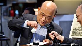行政院長蘇貞昌參訪故宮博物院。(圖/行政院提供)