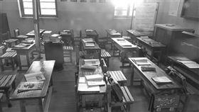 (16:9)教室,課堂,上課,黑白,霸凌。 (圖/翻攝自Pixabay)