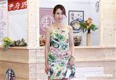 王瞳、黃瑄站台廠商加盟展。(圖/記者林聖凱攝影)