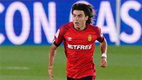▲「墨西哥梅西」羅梅洛(Luka Romero)以15歲又219天的年紀,寫下西班牙甲級足球聯賽最年輕初登場新紀錄。。(圖/翻攝自羅梅洛IG)