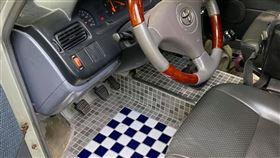 改裝,腳踏墊,馬賽克磁磚,車子,廁所,屎意