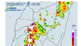 氣象局針對「南投縣、雲林縣、嘉義縣」發布大雷雨特報。(圖/翻攝自氣象局官網)