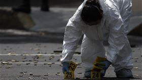 墨西哥幫派逞凶 警察局長中彈、14具遺體棄路旁(圖/美聯社/達志影像)
