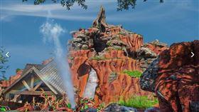 「飛濺山」遊樂設施。(圖/翻攝自Walt Disney World)  https://disneyworld.disney.go.com/attractions/magic-kingdom/splash-mountain/
