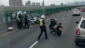 台中重機警追撞/翻攝自台灣新聞記者聯盟資訊平台臉書