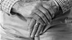 老人,阿公,變態,誘拐,爺爺,戀童癖(示意圖/翻攝自Pixabay)