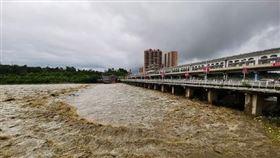 中國,下雨,經濟,損失,房屋,暴雨  https://s.weibo.com/pic?q=%E6%9A%B4%E9%9B%A8&Refer=weibo_pic
