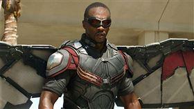 安東尼麥基演出超級英雄「獵鷹」人氣爆紅。(圖/翻攝自Anthony Mackie推特)