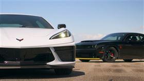 ▲Chevrolet Corvette C8對決Dodge Challenger SRT Demon(圖/翻攝自Throttle House Youtube)
