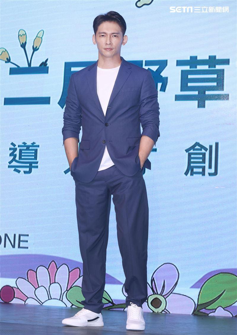 溫昇豪擔任野草計劃評審。(記者邱榮吉/攝影)