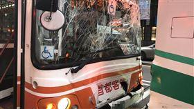 公車,追撞,受傷,台北,翻攝畫面