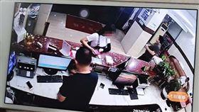 報復,大陸,杭州,報案,性侵,賓館,微信 https://k.sina.com.cn/article_1847582585_6e1fdf7904000oz9y.html?from=news&subch=onews
