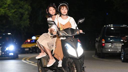 《驕女》連體嬰超狂 騎車雙載下場曝