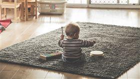 寶寶 嬰兒 玩(示意圖/翻攝自pixabay)