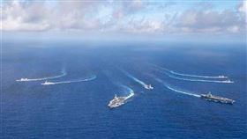 美雙航母曾集結執行任務。(圖/翻攝自太平洋艦隊臉書)