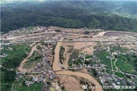 中國洪災、水災、暴雨、淹水、救援(圖/翻攝自微博)